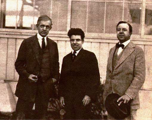Eugene Manlove Rhodes (left), with Jim Tully, and Rupert Hughes in 1922